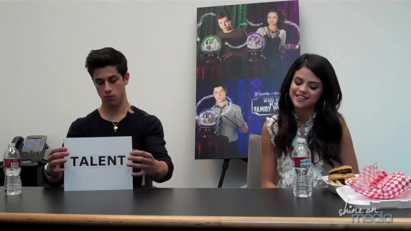 Selena Gomez David Henrie Interview Finale of Wizards of Waverly Place