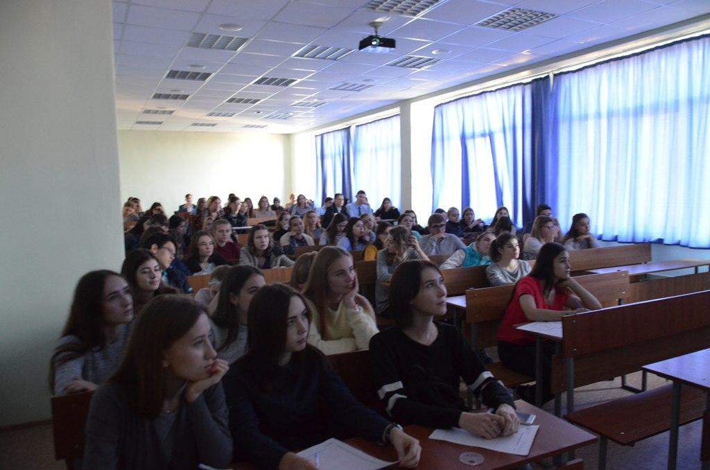 Студенты ТСЭК написали всероссийский экономический диктант