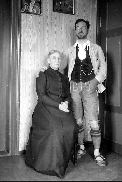 Василий Кандинский с матерью, Российская империя, 1913 год.