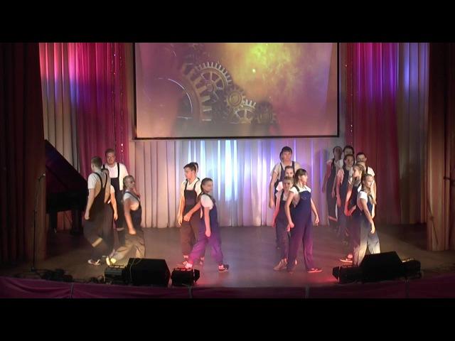 Посвящение в студенты Массовый танец