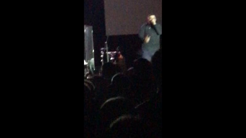 Была на концерте Басты, эту песню они исполнили в самом финале✌️ Кто знает как называется этот трек?!🙏😍