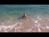 Темное море Феодосии в октябре. Осень в Крыму чудесна. Бархатный сезон