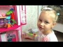 Алиса играет Все хотят жить в доме Барби ! Играем в кукол Entertainment for children