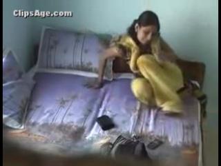 Desi girlfriend in yellow black salwar suit fucked hard with moans video captured using hidden cam in room