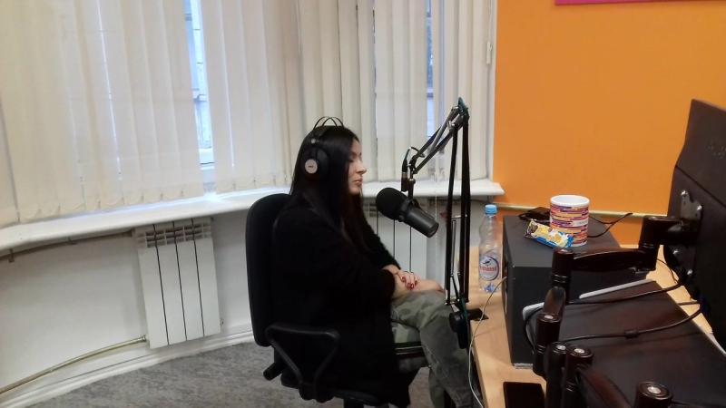 Надежда Мейхер – Грановская (экс-солистка группы «ВИАГРА») 👏 в студии Страна FM СПб. 📻🎙