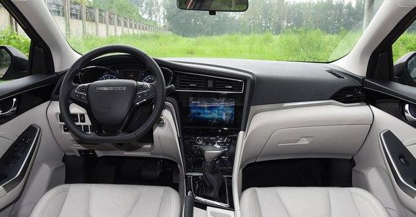 В Китае презентовали обновленный седан Venucia D60Совместный китайско