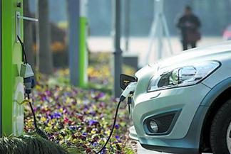 Китай вышел в мировые лидеры по развитию индустрии автомобилей на новы