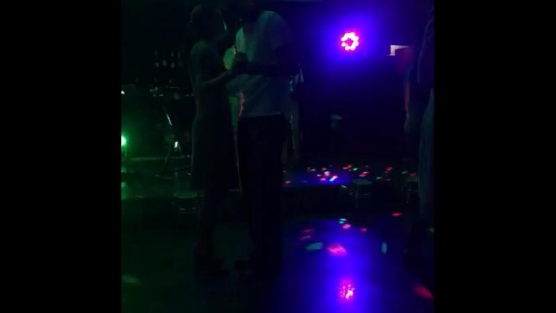 Танцевать всю ночь напролёт)