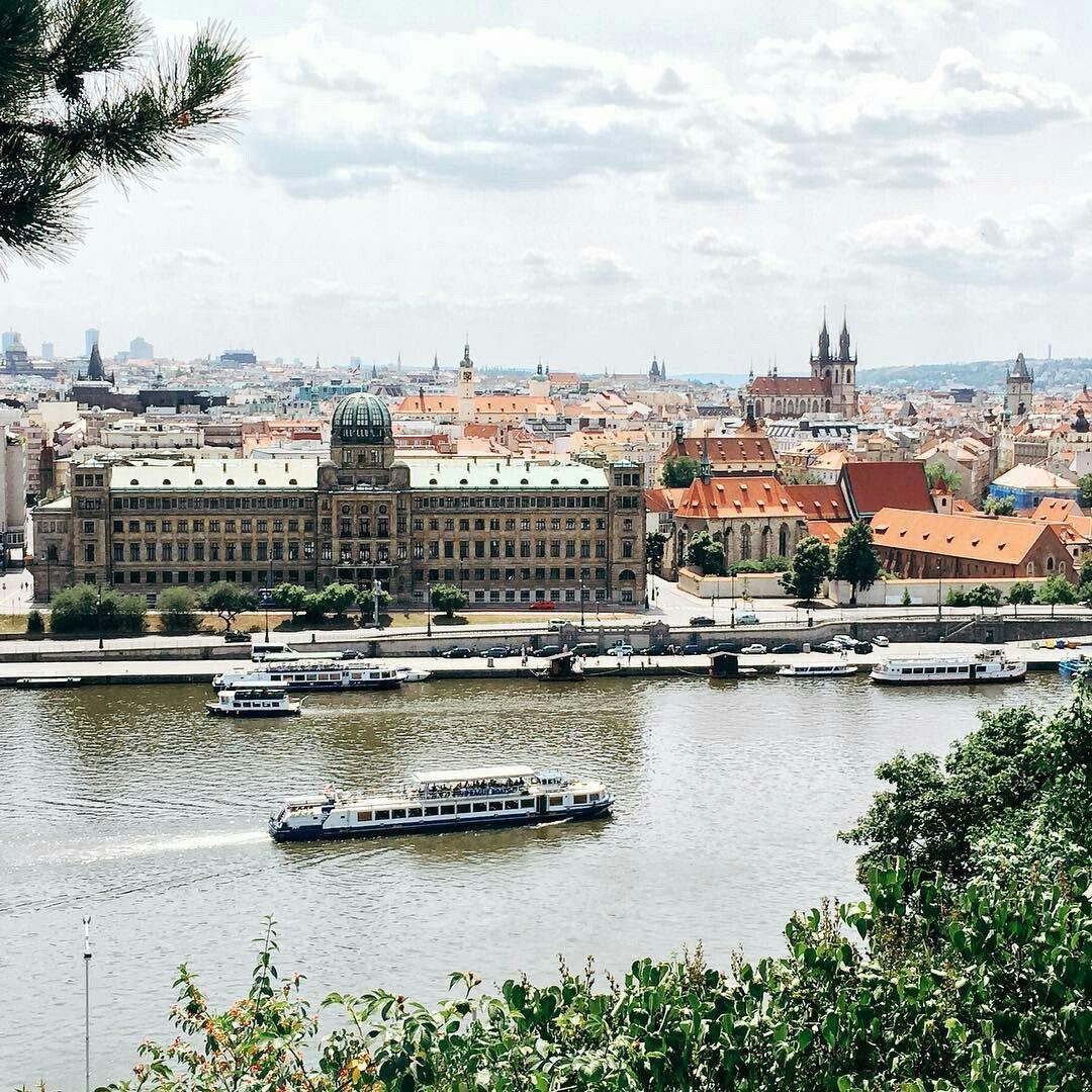 Казань: тур в Прагу на неделю с завтраками всего за 16600 рублей с человека