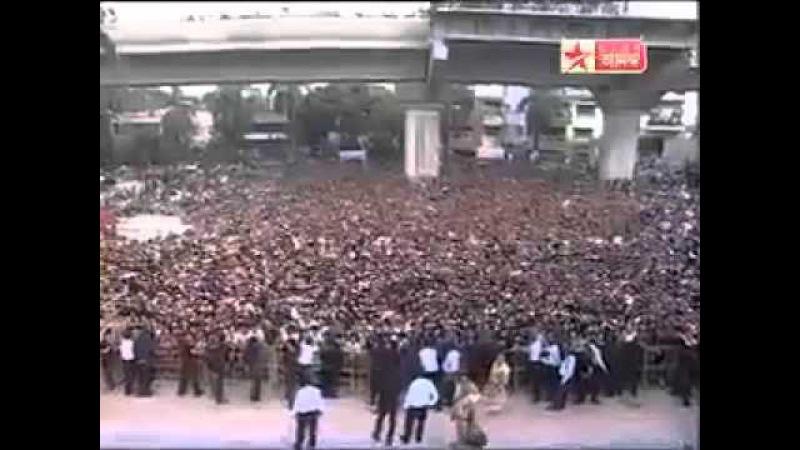 Shahrukh Khan's dance at Kolkata City Centre Mall