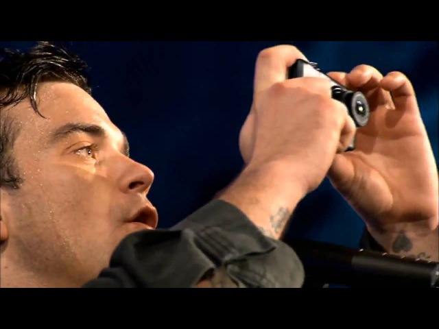 Музыка и видео из рекламы Nikon Coolpix - I'm alive (Robbie Williams) 2010