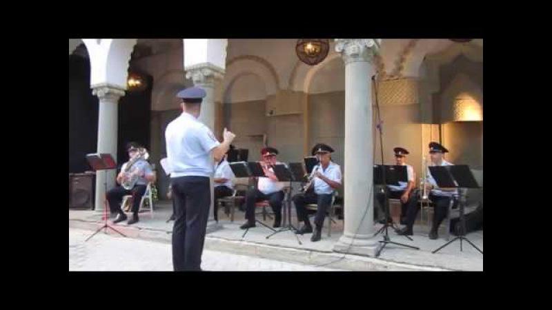 Духовой оркестр на террасе Дачи Виктория-1 (Феодосия, 22.08.2017)