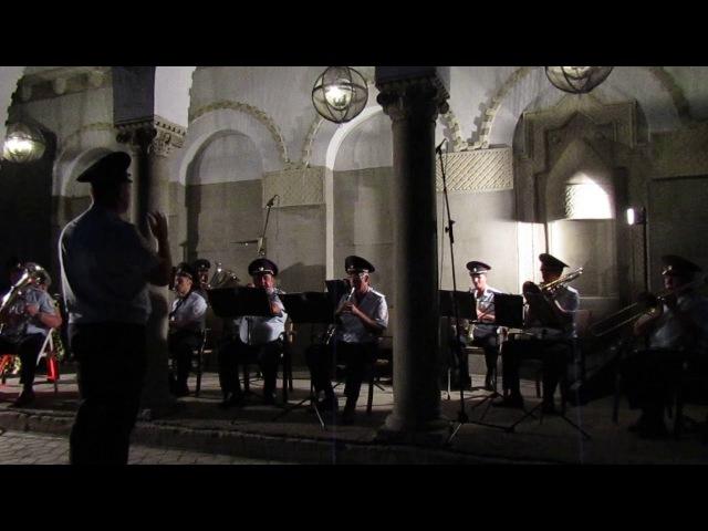 Духовой оркестр на террасе Дачи Виктория-2 (Феодосия, 22.08.2017)