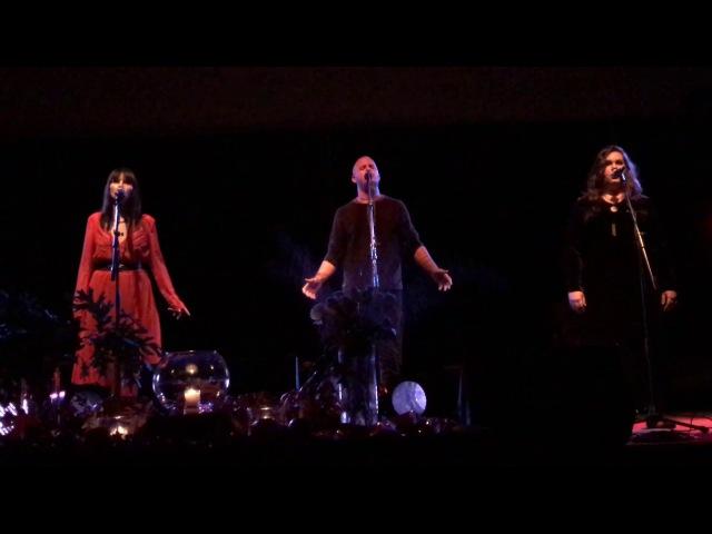 Lindy-Fay Hella — Seafarer featuring Einar and Jana Lynn Berna.