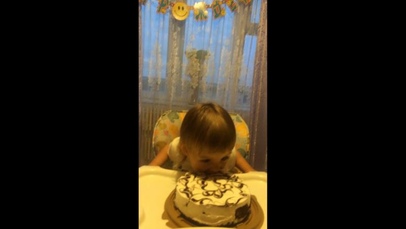 Тортик ням 😚