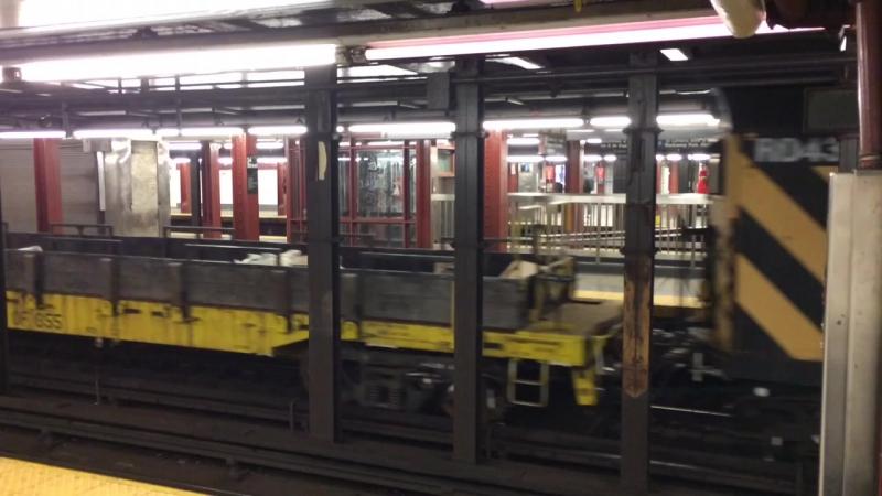 WhatsThis 🚂🚇 TrainInSubway TryToListenInHeadPhones Bass sound night subway metro train boy instaboy instagram archi