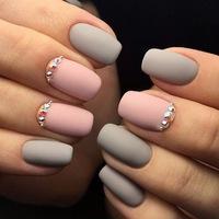 Графический дизайн на ногтях фото