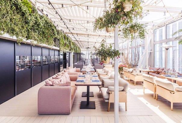Поужинать в самом высоком ресторане Европы – легко! Приходите в рест