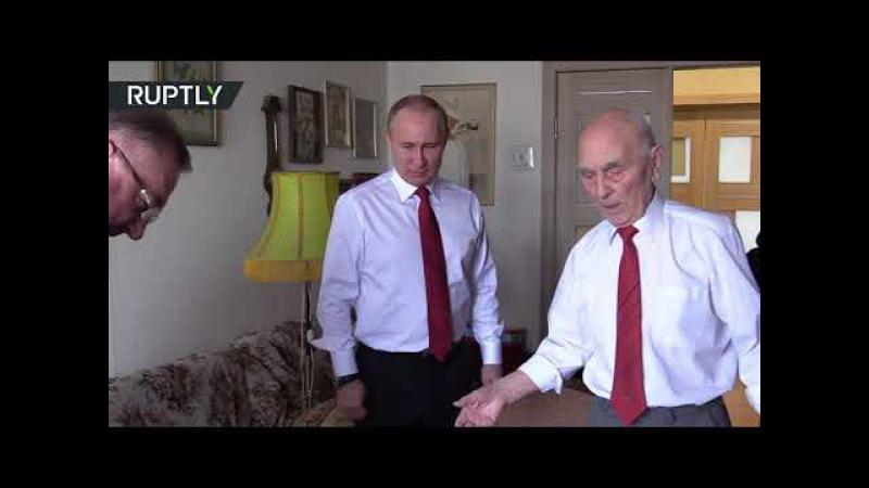 Путин поздравил своего бывшего начальника в КГБ с 90 летием