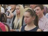 Песни о Родине сопроводили торжественную церемонию вручения паспортов школьникам Вологды