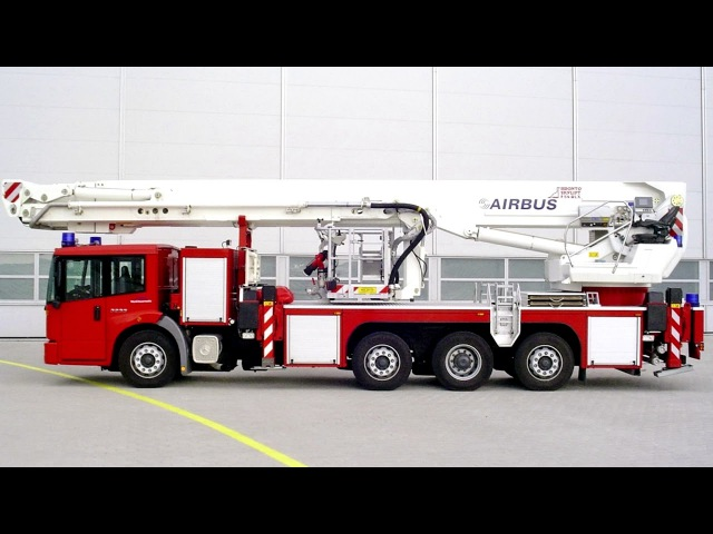 Mercedes Benz Econic 3233 LL 826 Bronto Skylift Typ F54 Br 957 2000 06