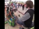 Крутая игра на странном инструменте (6 sec)