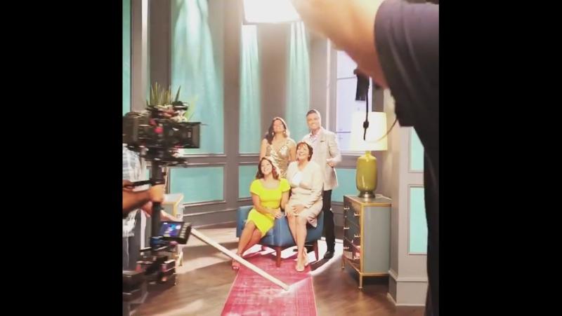 Каст сериала <<Девственница Джейн>> на съемках промо к 4 сезону