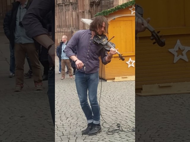 Amazing violonist the trouble notes