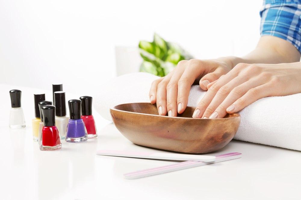 Уход за ногтями в расслабленной обстановке