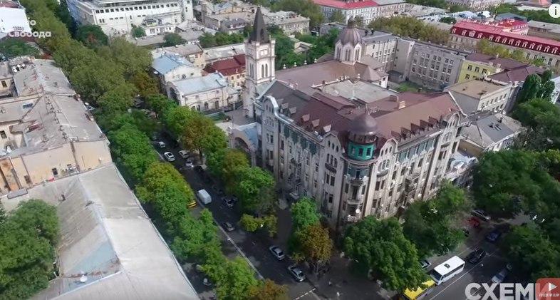 Прокурорская мансарда. Помощник  депутата Олега Кутателадзе захватил часть исторического здания в центре Одессы