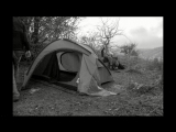 как Брат и Кошка помогали мне палатку ставить^^