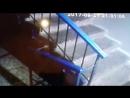 город Ульяновск 21 09 2017 ! Засвияжье !! неизвестные лица что то ищут в подьезде !!