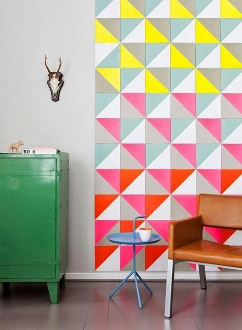 Интересная цветовая подборка на стене