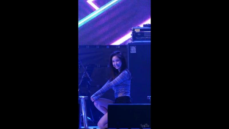 170608 Brave Girls - Rollin' (Minyoung) @ 2017 Wonju Citizen's Health Concert