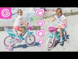 Влог Йоланда учится кататься на велосипеде | Играем на пляже | Делает колесо