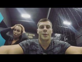 Экс-участник «Дом 2» Иван Барзиков вместе с девушкой прыгает на батутах