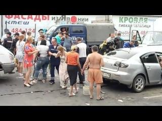 Появились фото и видео с места ДТП в Иркутске с 8 пострадавшими