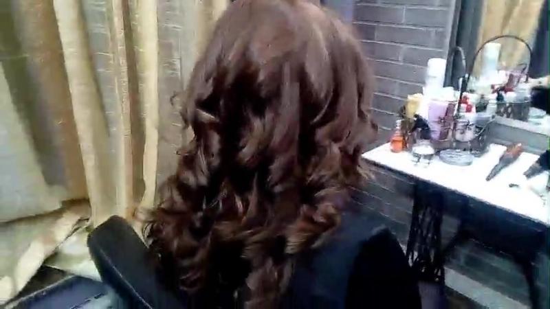 Пятое занятие практикантки Школы российского парикмахерского стиля привело к восторгу клиентку
