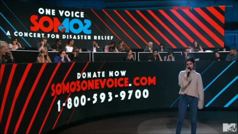 Selena Gomez Introducing Ricky Martin At One Voice: SOMOƧ LIVE!: A Concert For Disaster Relief 10/14/2017
