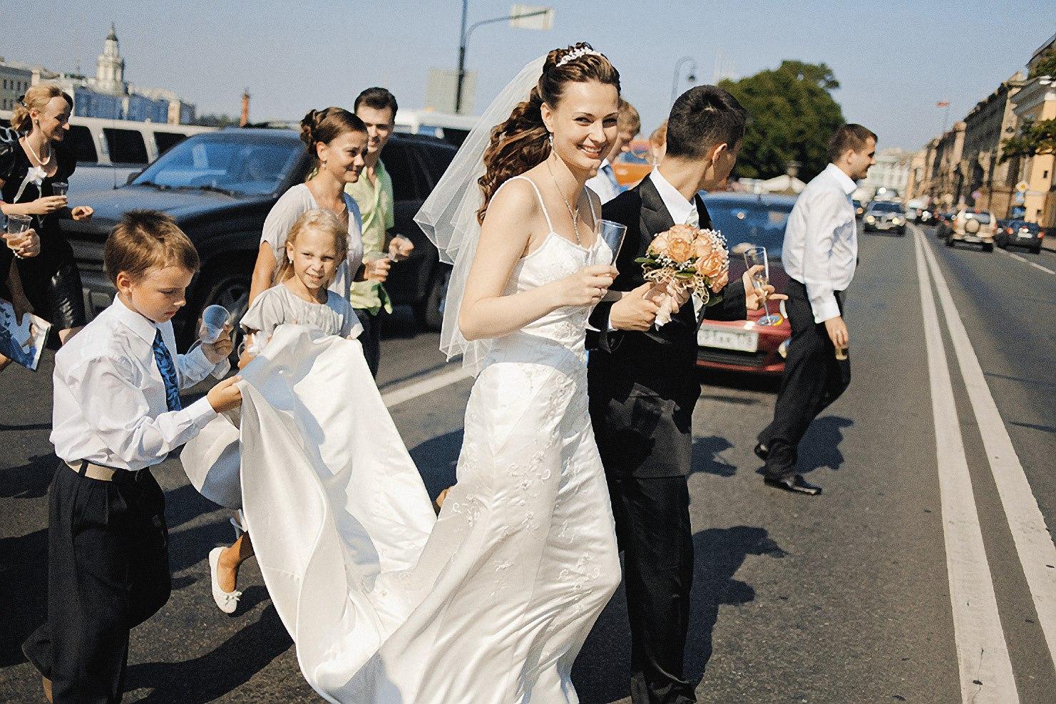 Z1bNNud6BzY - Выбираем ведущего на свадьбу: советы профессионала