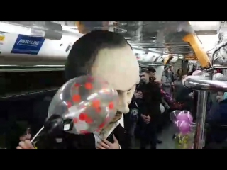 Стас Михайлов и Валерий Леонтьев в метро в Казани