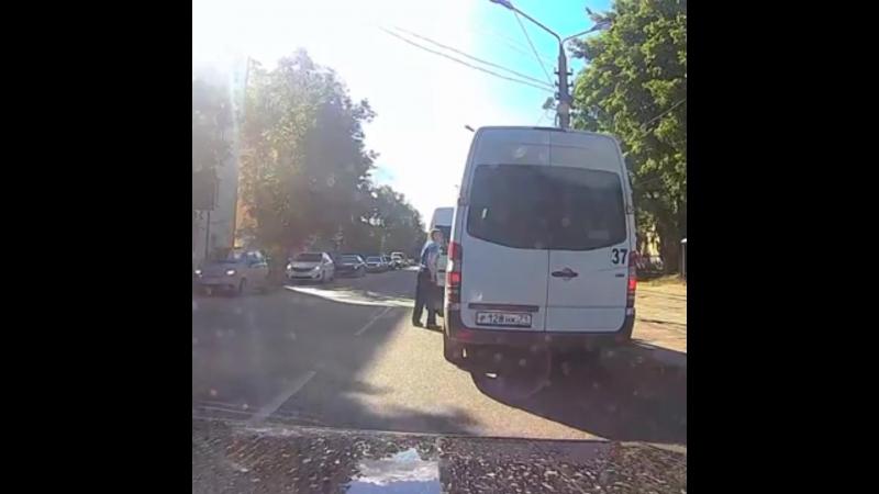 Ад тульских дорог_ разборки водителей маршруток.