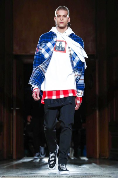Givenchy's 2017 Fall/Winter Menswear Collection Highlights Americana M
