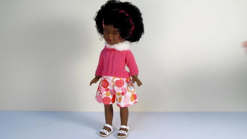 Кукла темнокожая Паулина в розовом свитере