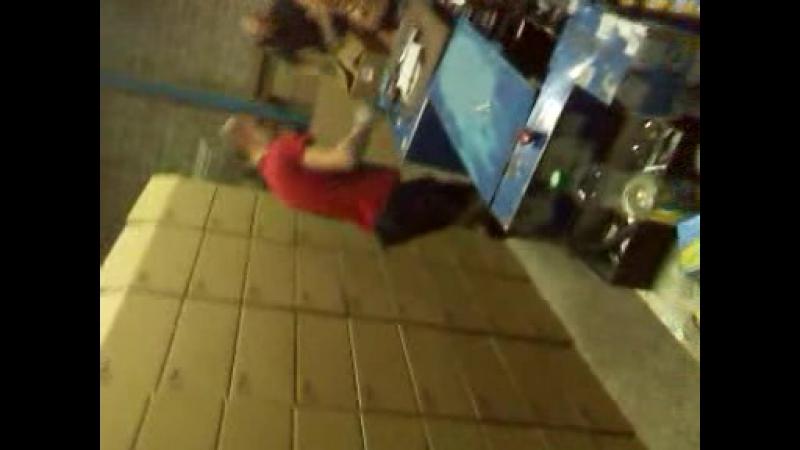 Бедный Вадик)) video-2012-10-11-04-25-32.3gp