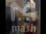 Видео из зала Мосгорсуда, где сегодня 6 человек вскрыли себе вены прямо
