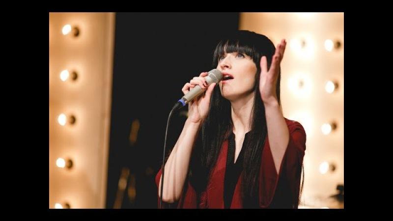 A. Le Coq Live Lounge - Sandra Nurmsalu - Oma laulu ei leia ma üles