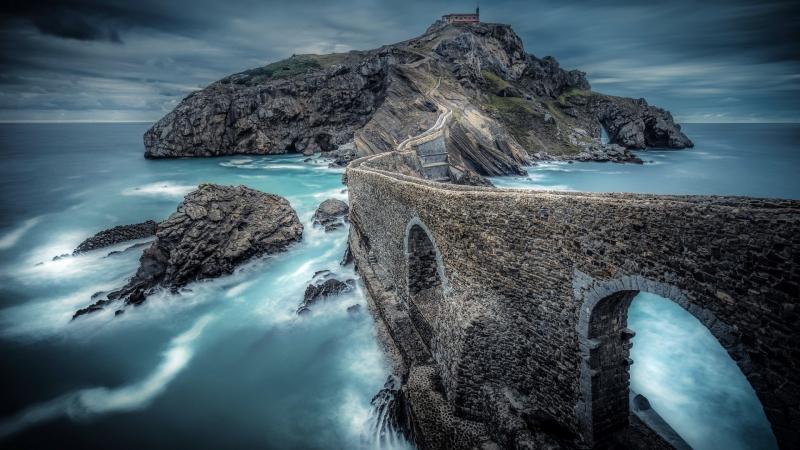 Чудо-остров Сан Хуан де Гастелугаче. Испания.