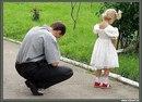 Подошла дочурка к Папе и задала вопрос: «Почему у всех есть Мамы, а Бог мою унёс?
