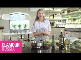 Как приготовить утренний салат с авокадо рассказывает Саша Новикова